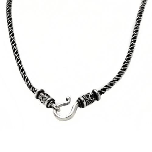 Silver Gold Triangular Yemenite Pendant Necklace 2 - Baltinester Jewelry