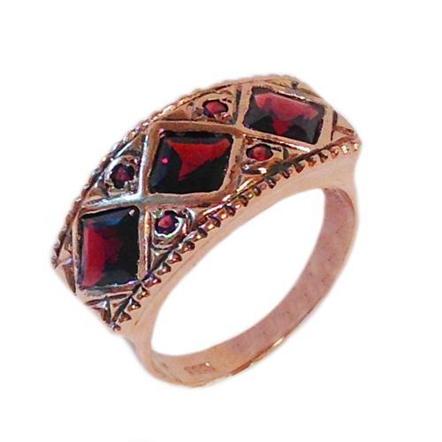 14k Rose Gold Rhombus Garnet Ring - Baltinester Jewelry