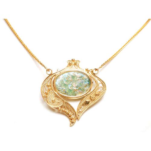 14k Gold Roman Glass Filigree Heart Necklace - Baltinester Jewelry