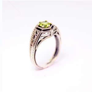 14k White Gold Peridot Ring - Baltinester Jewelry