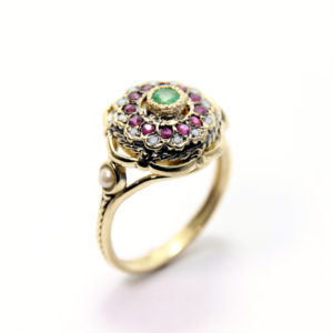 Emerald Flower Ring 14k Gold - Baltinester Jewelry