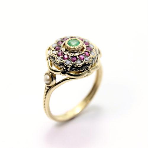 Emerald Flower Ring 14k Gold - Baltinester Jewelry